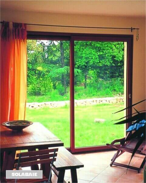 baie vitr e coulissante en aluminium r alisation de la menuiserie solabaie moulins. Black Bedroom Furniture Sets. Home Design Ideas