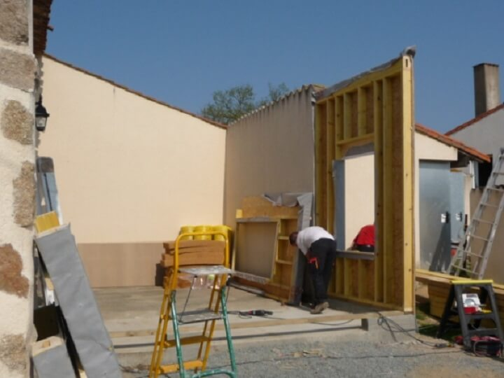Installation de portes et fen tres par billy menuiserie for Poser une porte interieure en renovation