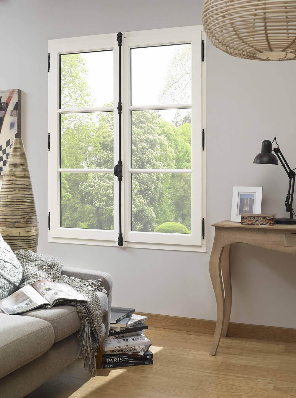 fen tre bois baie vitr e bois porte fen tre en bois sur. Black Bedroom Furniture Sets. Home Design Ideas