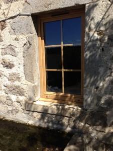 Vos fen tres en bois r alis es sur mesure solabaie for Installation fenetre renovation