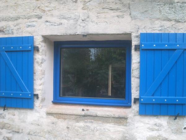 Fenetre Avec Ouverture A Soufflet Abattant Realisation De La Menuiserie Solabaie Vigneux De Bretagne