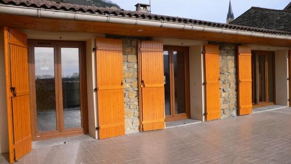 Fen tre triple vitrage pour une maison en pierre for Fenetre bois triple vitrage