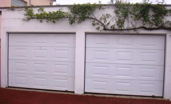 Porte de garage sectionnelle r alisation de la - Baie vitree remplacement porte garage ...