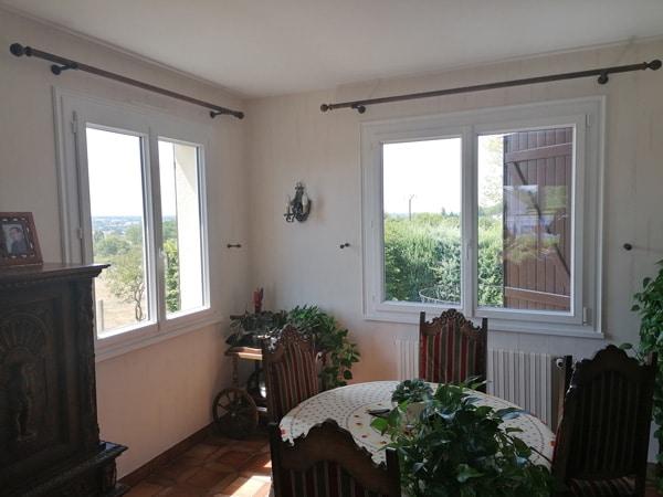 Fourniture et pose de fenêtres PVC Composium avec plat mouluré à Saint-Yorre (03)