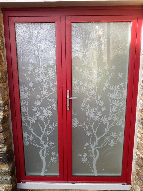Porte au tiercé vitrée modèle WOOD rouge