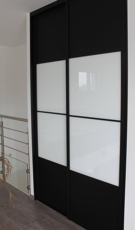 Installer porte de placard id es de for Installation porte