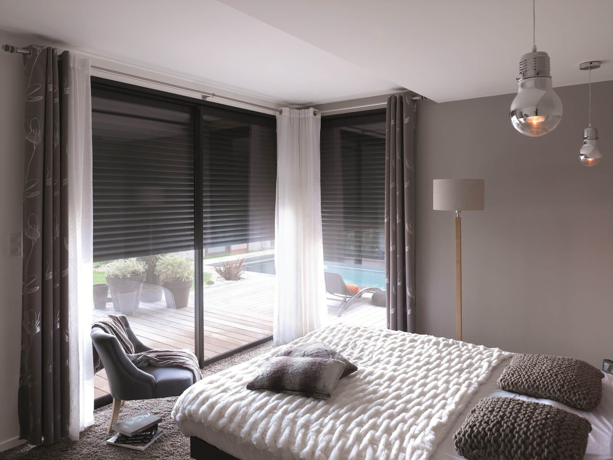 volet roulant int gr volets roulants motoris s alu pvc solabaie. Black Bedroom Furniture Sets. Home Design Ideas
