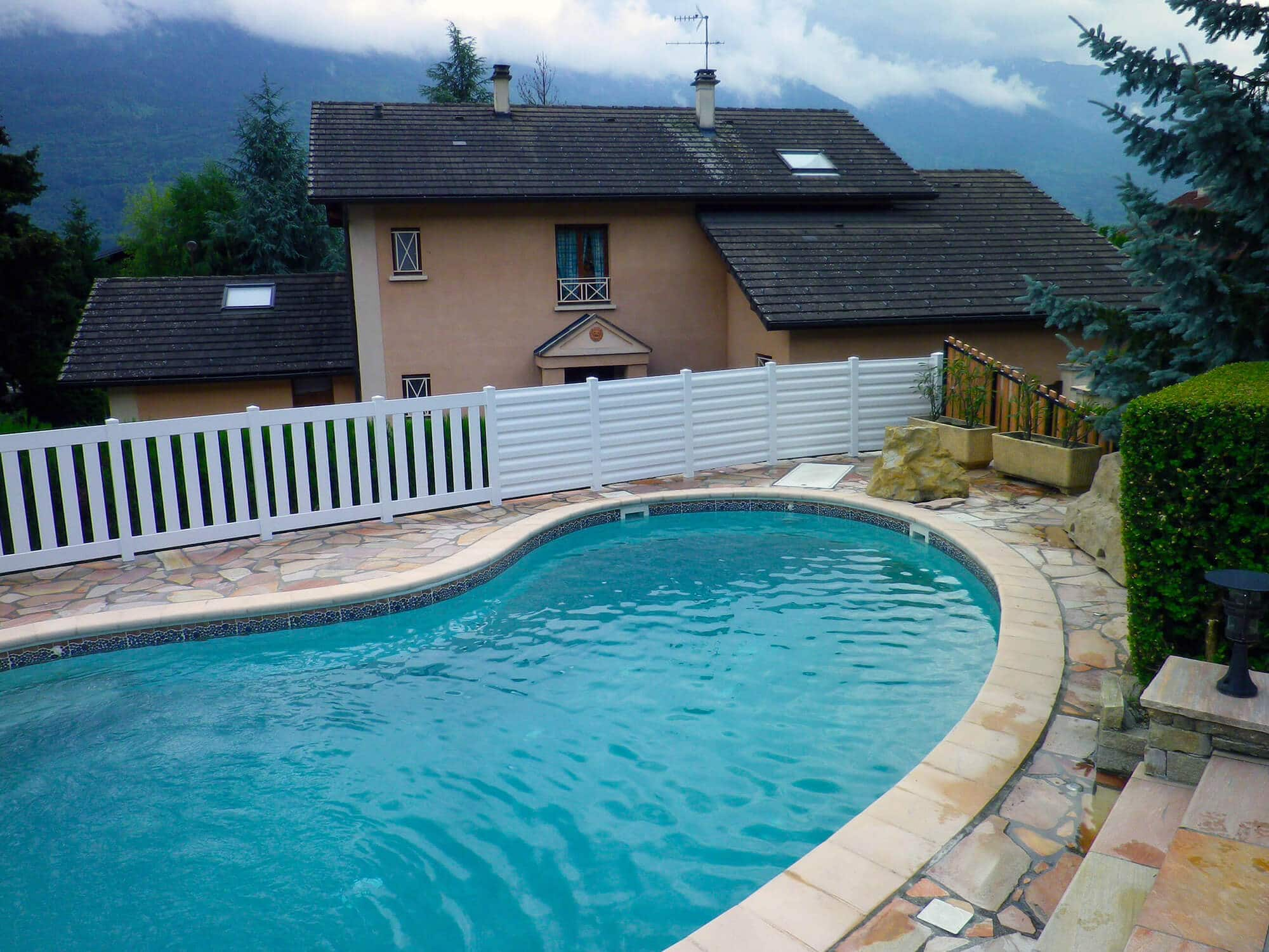 Pose de cl ture pour piscine solabaie alp 39 fermetures for Clotures de piscine
