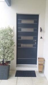 bien choisir sa porte d 39 entr e solabaie. Black Bedroom Furniture Sets. Home Design Ideas