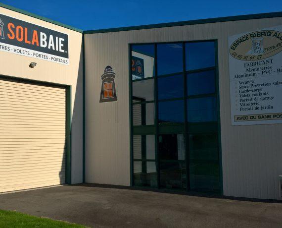 Espace Fabriq'Alu, pour l'installation de vos portes, fenêtres et volets Solabaie à Carquefou