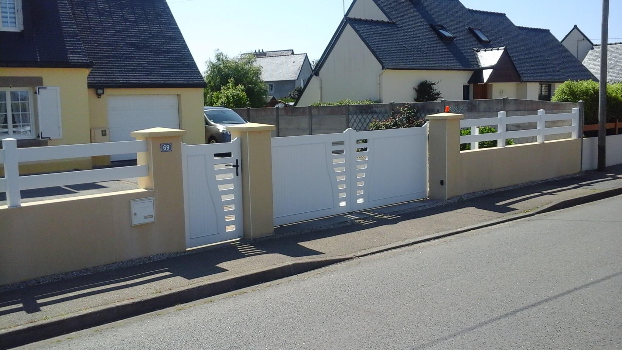 Solabaie   Découvrez nos nouveautés portails alu et PVC fabriqués en ... 9c23c948a84c