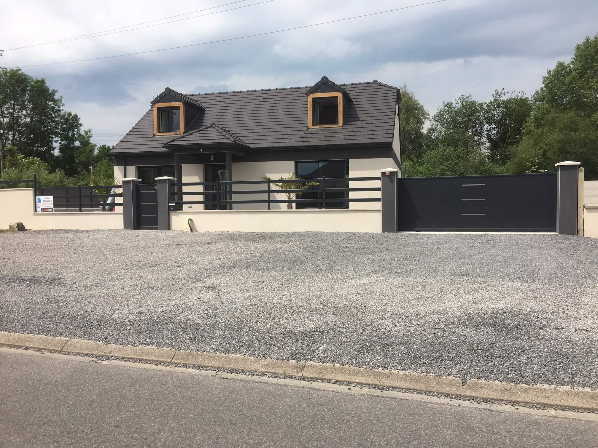 Pose d 39 un portail portillon cl ture et deux portes de garage par julien desailly for Cloture portillon