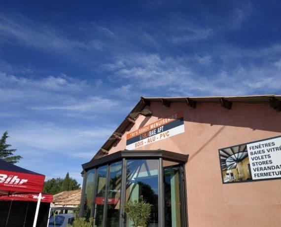 Facade magasin Solabaie Apt dans le Vaucluse