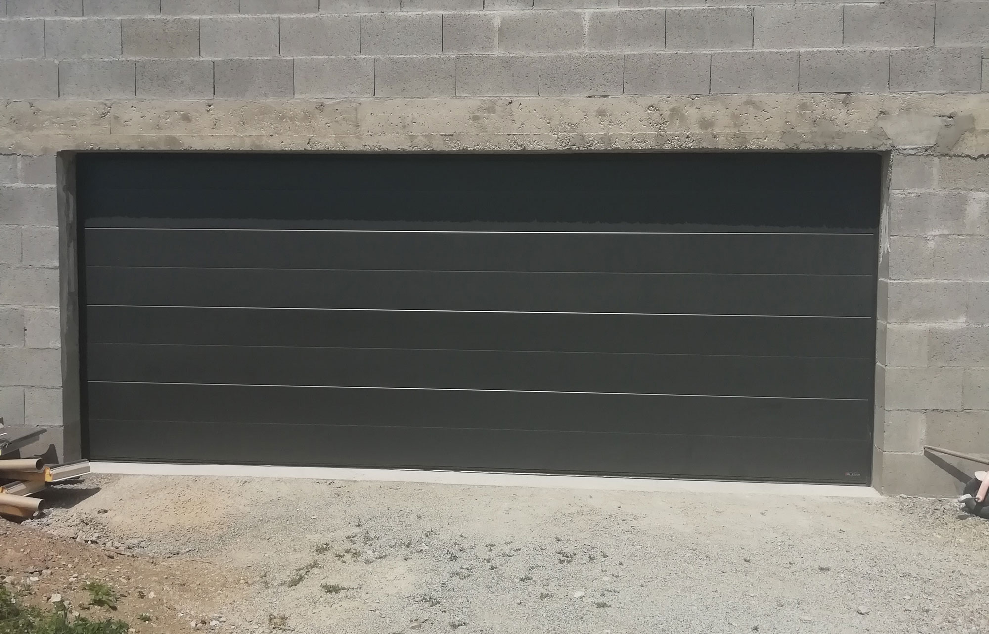 Installation D Une Porte De Garage Sectionnelle Finition