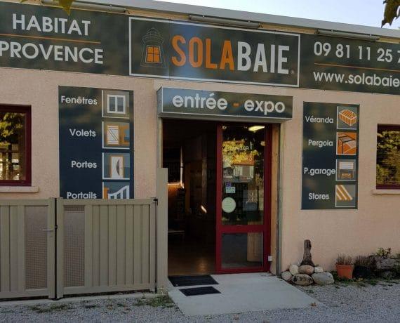 Façade du showroom de votre installateur Solabaie Habitat Provence