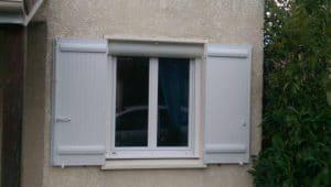 Réalisations de Solabaie Saint-Ouen-l'Aumône : Fenêtre PVC blanche à volet roulant solaire