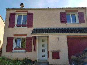 Réalisations de Solabaie Saint-Ouen-l'Aumône : Fenêtres PVC oscillo-battantes blanches à 2 vantaux et porte d'entrée PVC