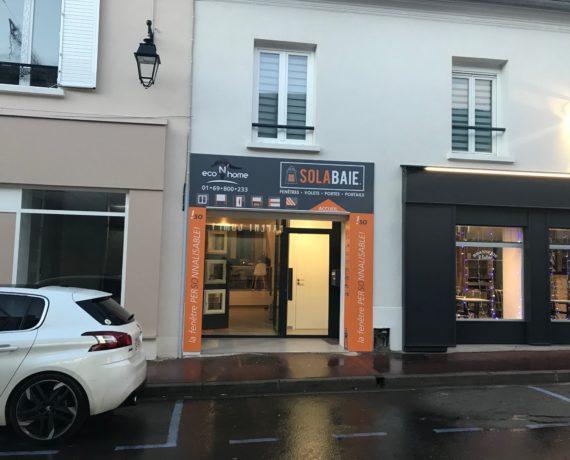 Votre magasin Solabaie de St Cheron pour la fourniture et pose de vos menuiseries et fermetures sur-mesure en neuf ou rénovation